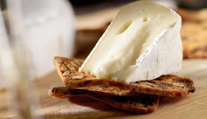 Сыр Бри Марго с белой плесенью