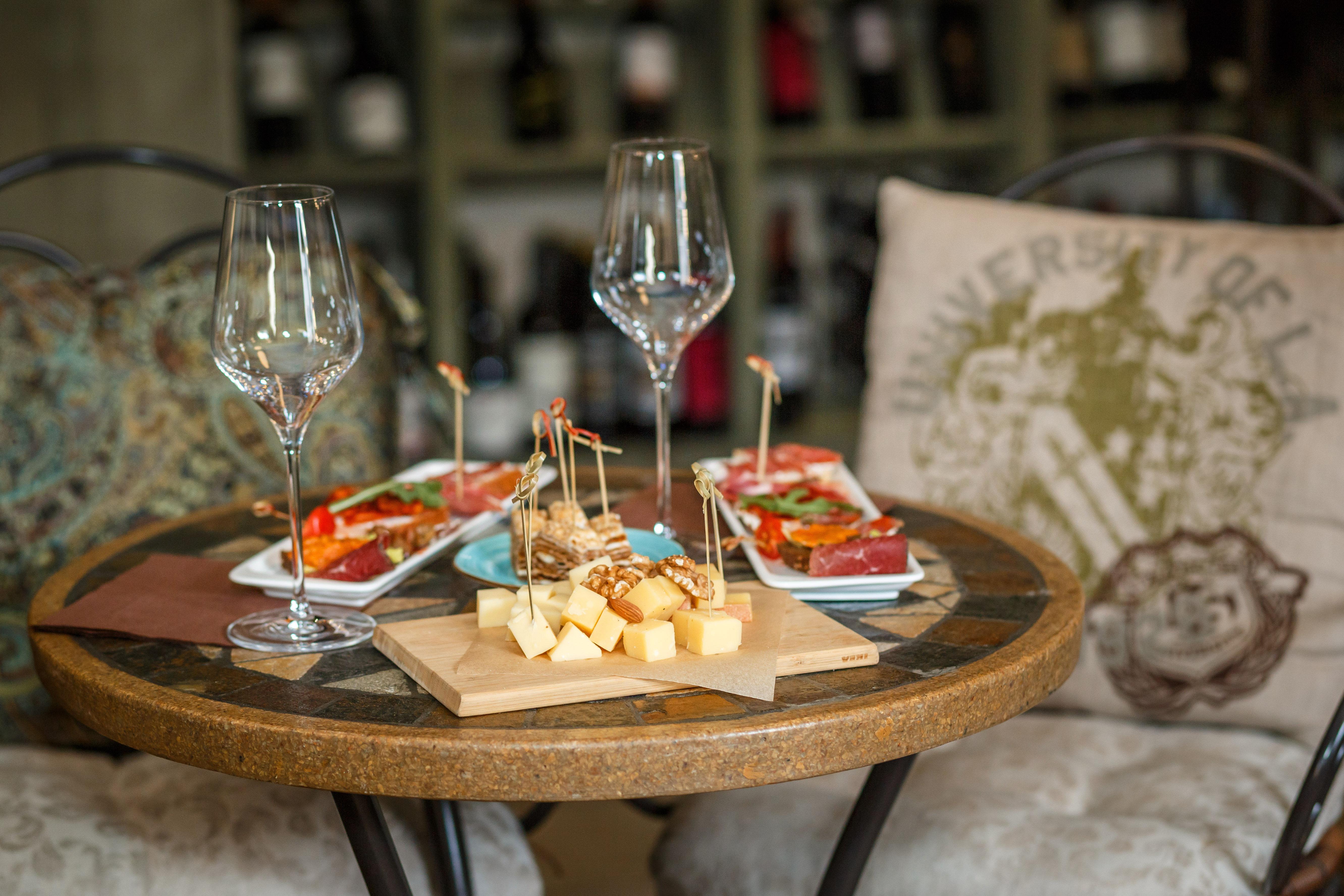14 октября 19.30 - дегустация классических французских вин и не только