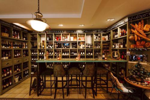 коллекция вин в винотеке