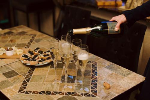 дегустация шампанского в винотеке